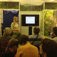 Елизавета Новикова (Нуникян) читает лекцию